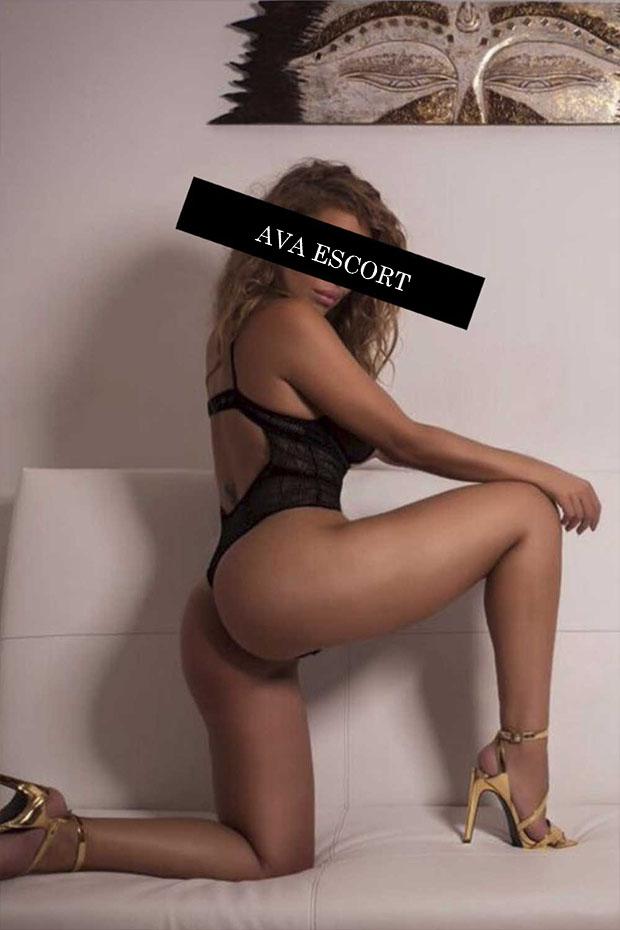 Escort Dortmund Lucy Body schwarz sexy